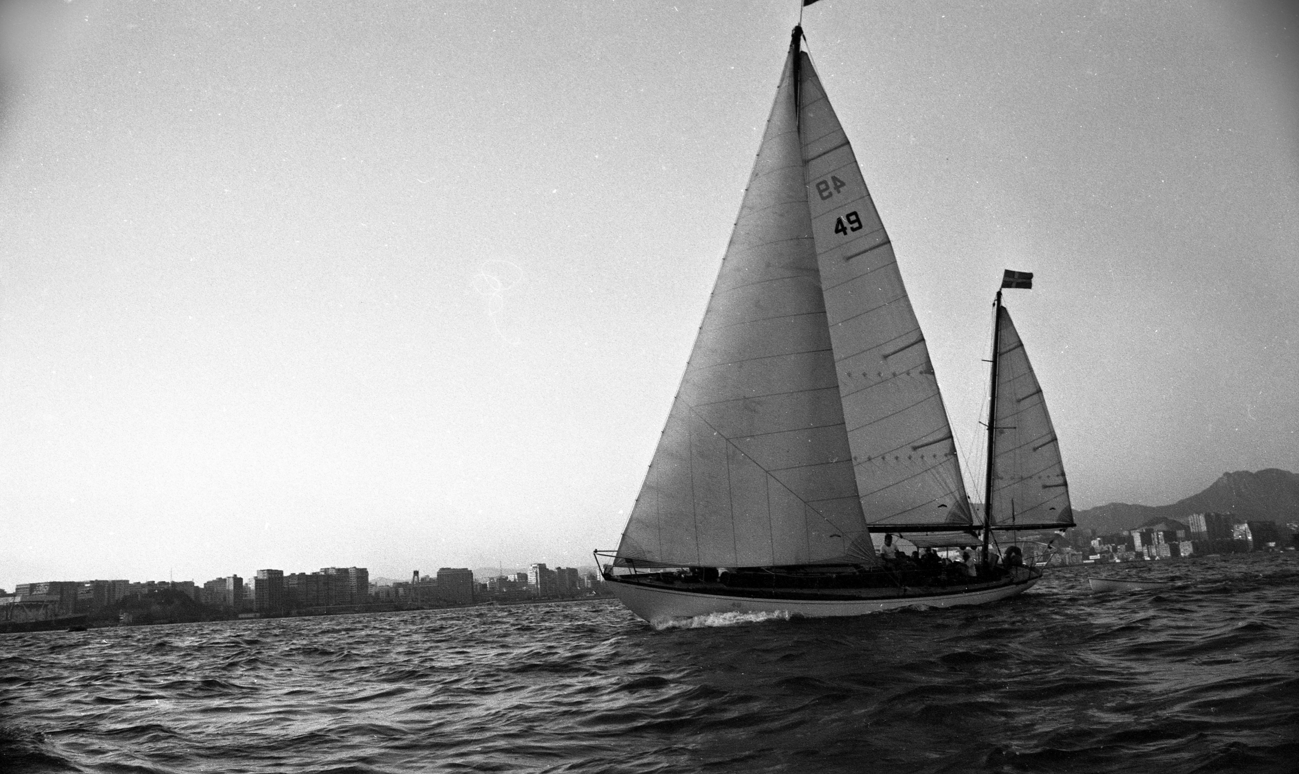 EXCLUSIVELY FEATURED BY EASTPRO - hong kong 1969 - sail boat viewing kowloon lion rock mountain