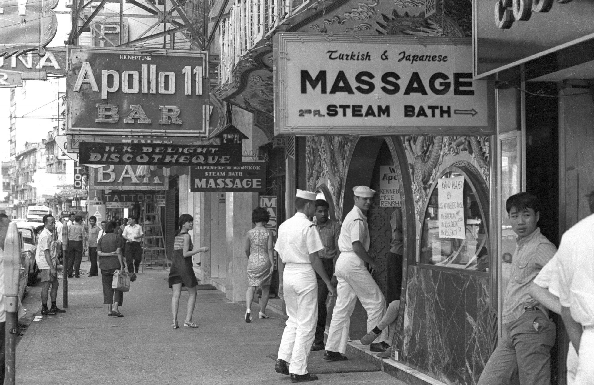 EXCLUSIVELY FEATURED BY EASTPRO - hong kong 1969 - wanchai red light district foreign sailors
